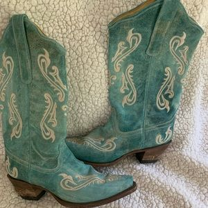 Corral boots size 8